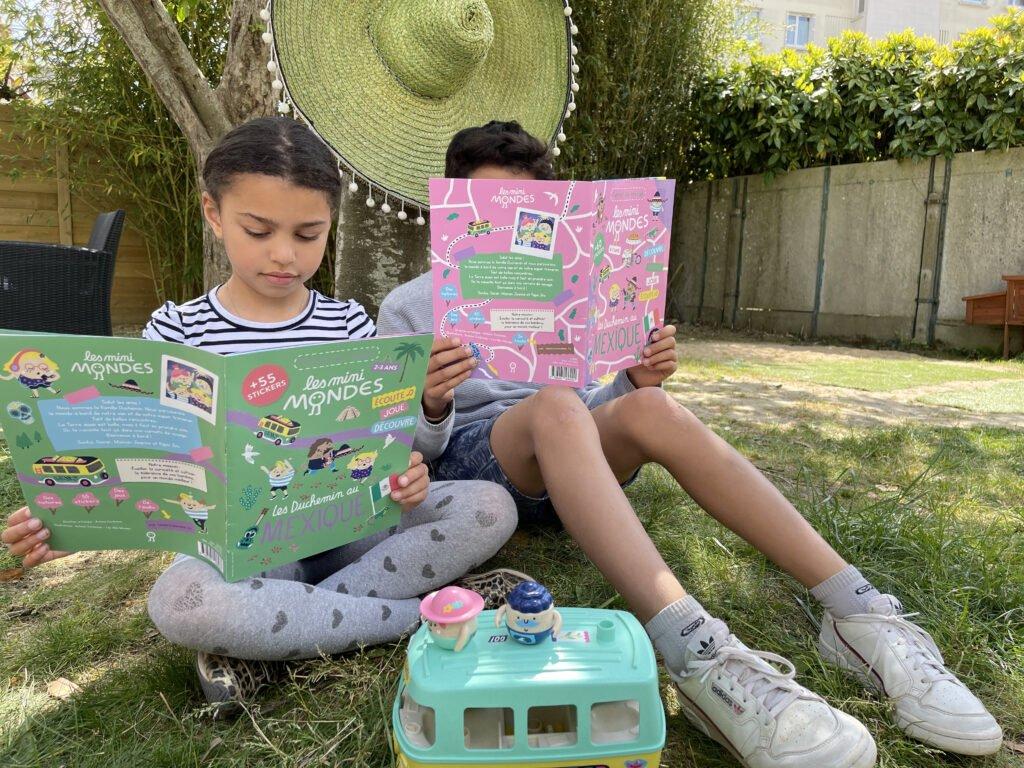 Un magazine enfant avec des jeux, autocollants, musiques, activités