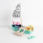 Le bateau des Mini Mondes. Un trimaran écoconçu, 100% responsable, 100% made in France