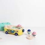Votre enfant développe son imaginaire avec ce van 100% made in France