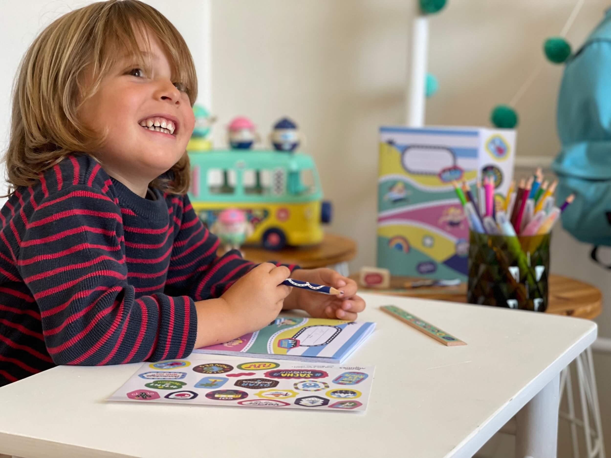 Fournitures scolaires pour la rentrée des classes de votre enfant, dès 4 ans, aux couleurs des Mini Mondes